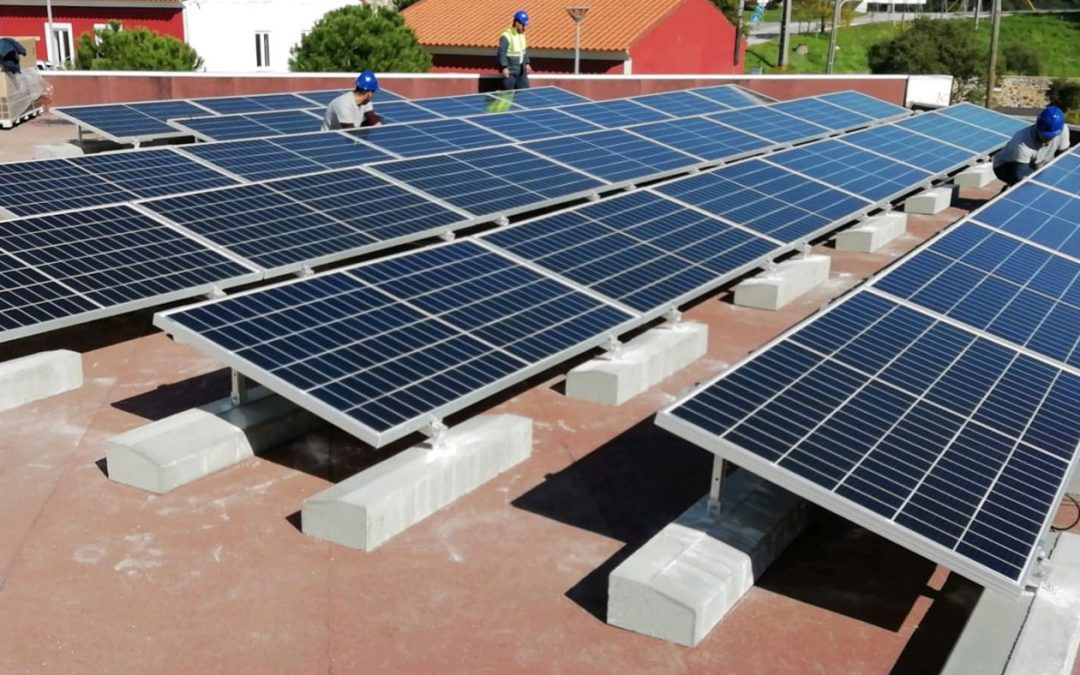 Rosseti installs eleven units of photovoltaic panels in Vila de Rei